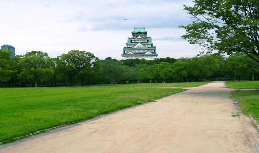 大阪城の土舗装